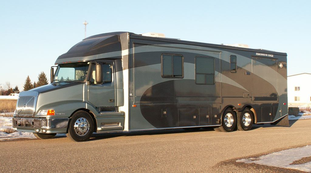 Luxury Motor Coach 6 Exterior Pictures
