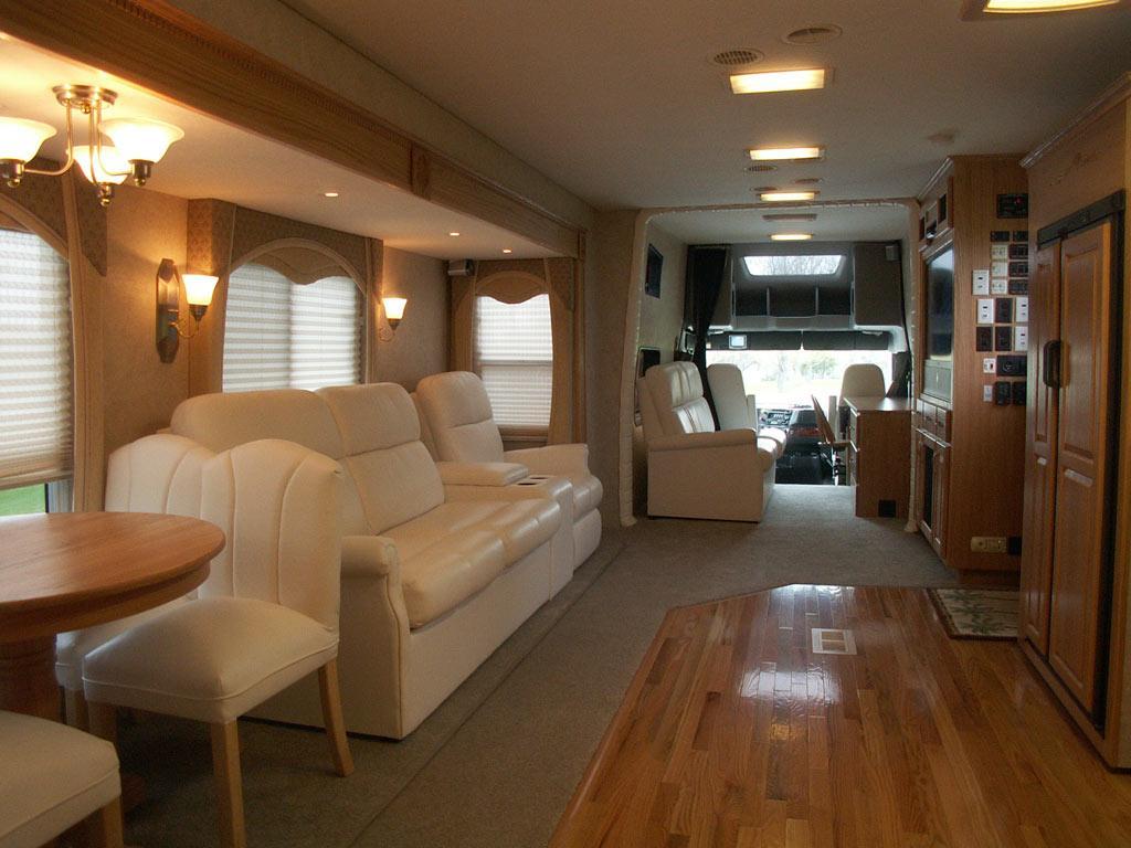 Demo 3 Ultra Coach Interior Pictures